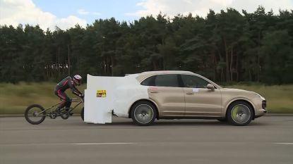 Ongelofelijk: Brit fietst 280 km/u op eigen spierkracht