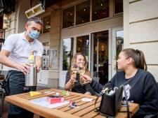 Winkelen, tanken en borrelen met een mondkapje: hoe werkt dat in Duitsland?