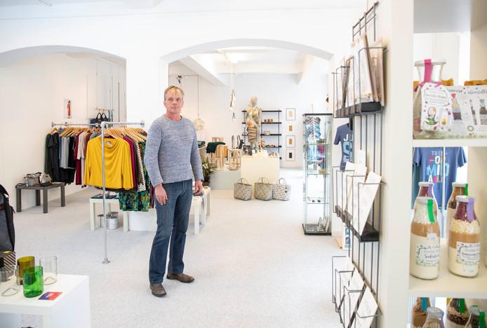 Luuc Van Wezel in zijn conceptstore Luucx good goods, de eerste van Wageningen.