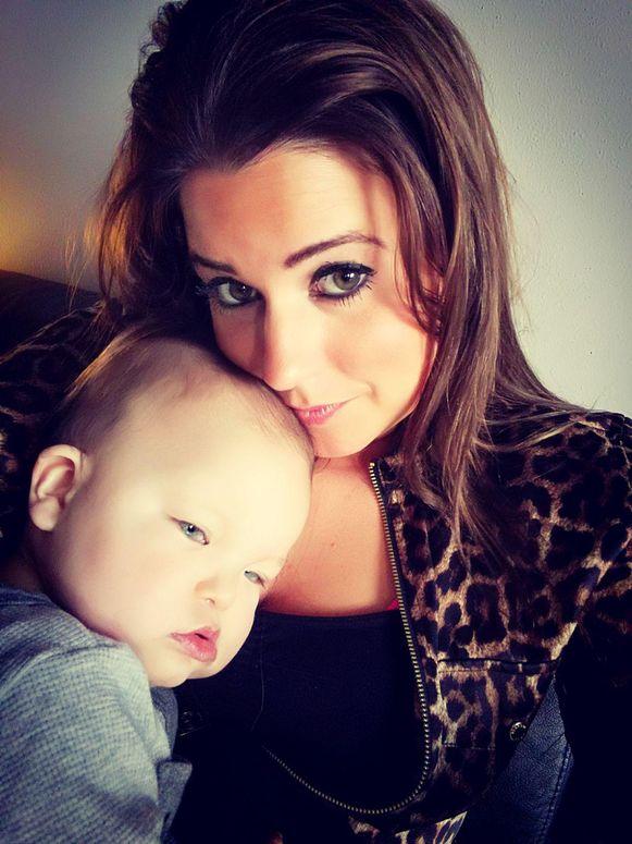Miguel met zijn mama Lieveke De Kort.