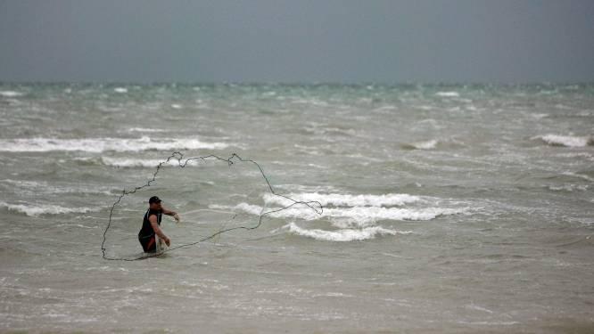 Kleine vissers El Salvador vangen geen vis meer