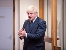 """Boris Johnson s'en prend aux traversées illégales """"stupides"""" de la Manche"""