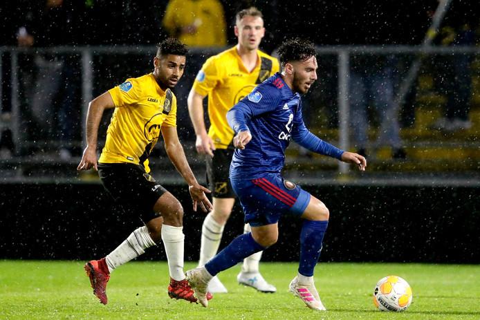 Anouar Kali (links)  tegen Feyenoord.