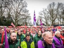 Stakers verzamelen zich massaal in Stadswandelpark Eindhoven voor beter én vroeger pensioen