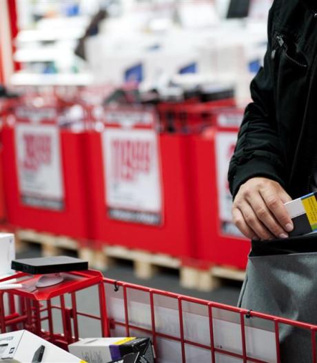 Man die winkeldief tackelde in Tilburg gezocht door politie: 'Om te bedanken'