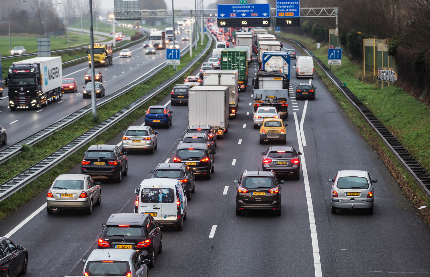 Rijden over de vluchtstrook kan uitdraaien op een boete van 380 euro.