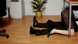 Wat als cupido raak schiet op de werkvloer? Zo ga je er (niet) mee om