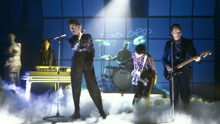 The Boomtown Rats, in 1985 op het podium van TopPop. Beeld Kippa.