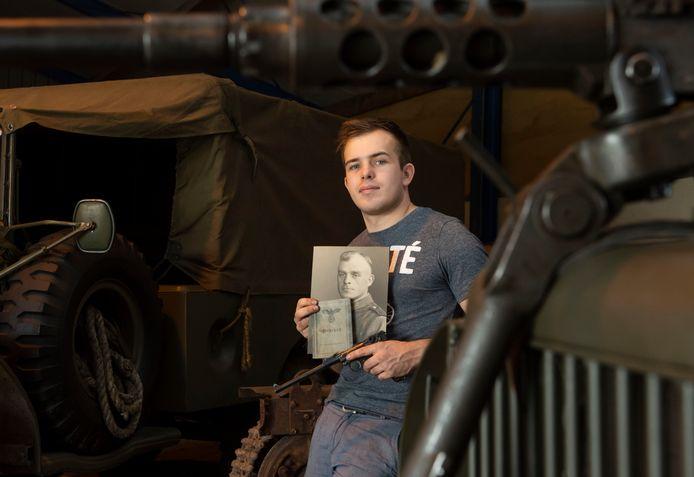 Bas R. uit Harderwijk is maandag veroordeeld voor het handelen in oude wapens en munitie uit de Tweede Wereldoorlog.