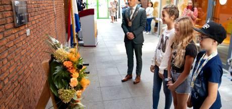 Herdenkingstegel onthuld in dorpshuis Lieshout