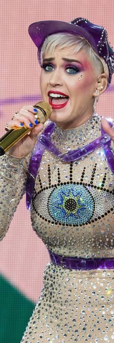 Katy Perry: Mijn ex Orlando ging bewust bloot peddelen op surfplank