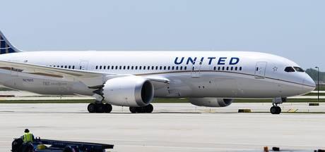 United Airlines weigert meisjes met leggings, celebrities boos