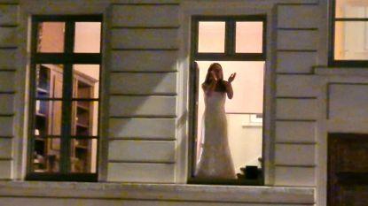 """Steeds meer applaus in Kortrijk: """"In Palfijnstraat zelfs in wit trouwkleed"""""""