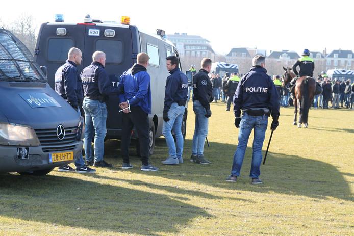 Op het Malieveld is zojuist een persoon aangehouden.