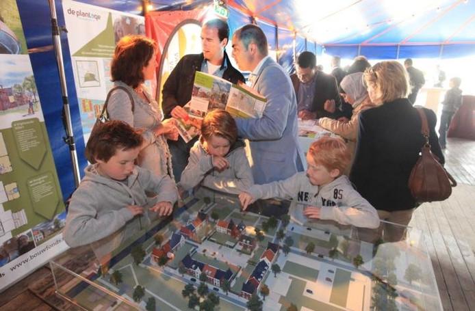 Presentatie van de nieuwbouwplannen voor De Plantage in 2011.