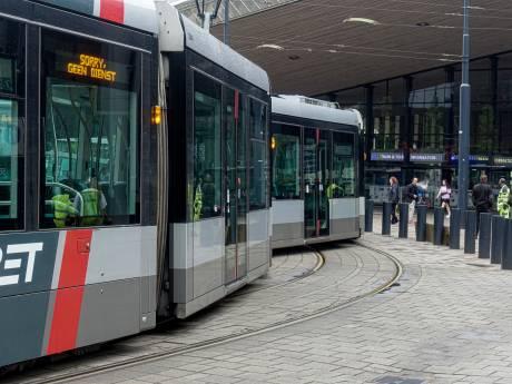 Tram ontspoord bij Rotterdam Centraal