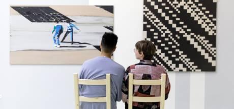 Stedelijk Museum Schiedam introduceert bij heropening 'tandem-rondleiding'