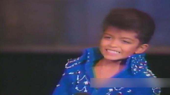 wanneer is bruno mars jarig 6 jarige Bruno Mars steelt show als Elvis | Show | AD.nl wanneer is bruno mars jarig