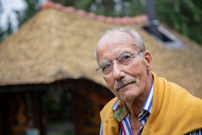 Als de 'corona-film' het toe laat, wil Hans Lebbink in januari of februari de boel weer opstoken in zijn sauna aan de Tolweg in Putten.