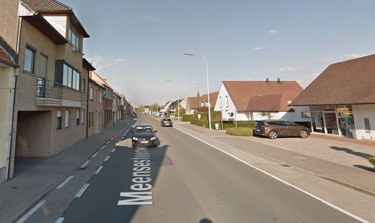 De Meensesteenweg op de Bosmolens in Izegem.