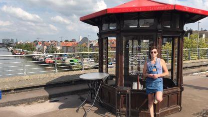 Jeneverkot opgebouwd op trambrug Gasmeterlaan, maar moet weg nog voor het open kan