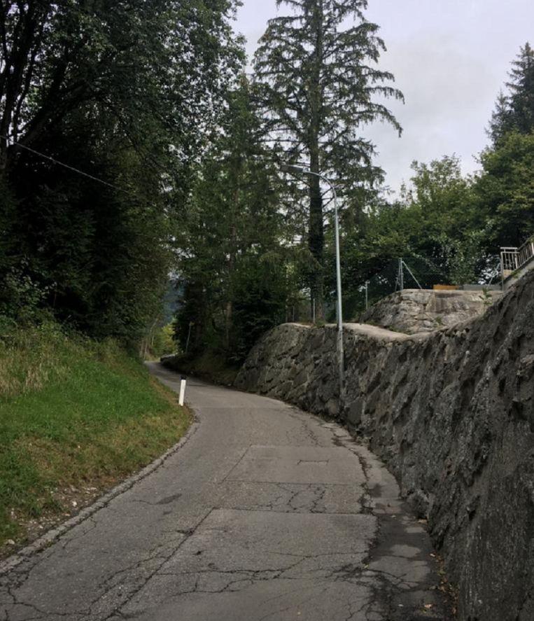 Verkenning Gramartboden: de allersteilste passage (25%) in het slotgedeelte van de klim. Hier is het echt kruipen.