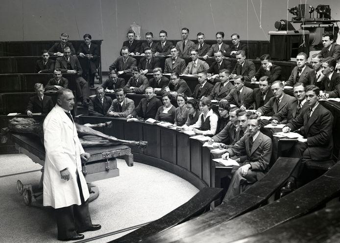 Het anatomisch theater rond 1950.