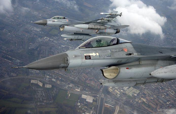 Twee F16's van vliegbasis Volkel staan vanaf 20 februari klaar om uit te rukken voor het onderscheppen van vreemde vliegtuigen in Nederlands luchtruim.