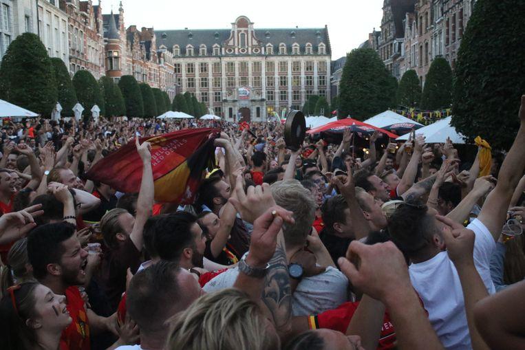 Feest op de Oude Markt in Leuven.