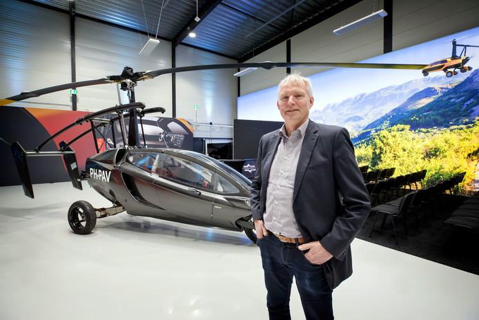 RAAMSDONKSVEER, Foto: Pix4Profs/Joyce van Belkom. Robert Dingemanse van PAL V bij de autocopter.