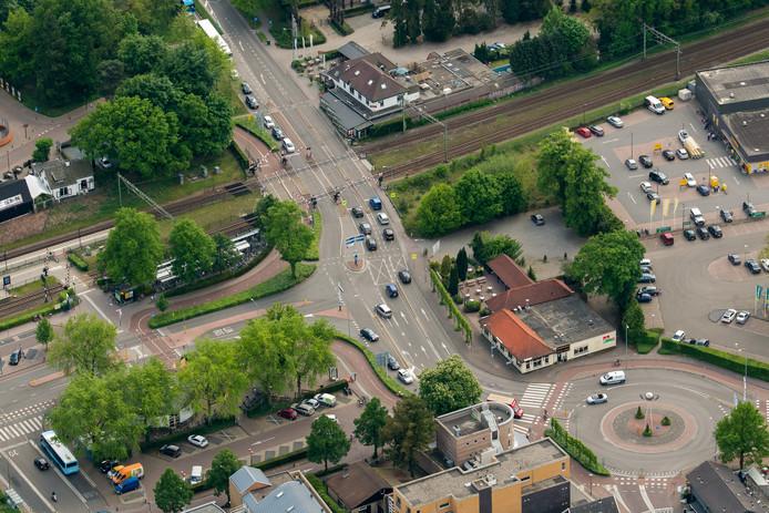 De spoorwegovergang op de Elspeterweg in Nunspeet.
