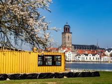 Nieuwe horecazaak bij IJssel Deventer  moet meteen zandzakken inzetten