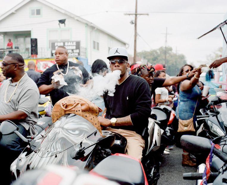 Straatleven in New Orleans Beeld Akasha Rabut