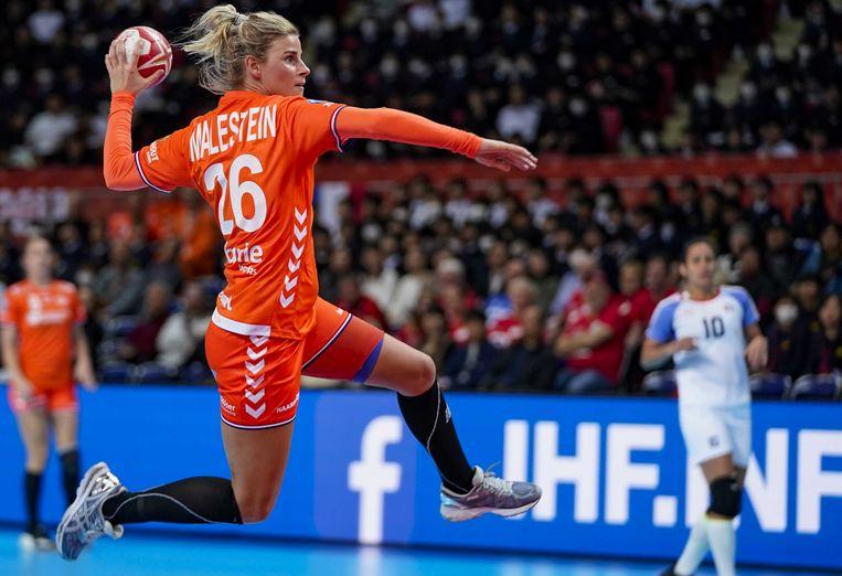 Angela Malestein was tegen Cuba uitblinker met 11 doelpunten. Beeld ANP