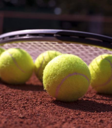 Renovatie voor tennisbanen in Maarheeze