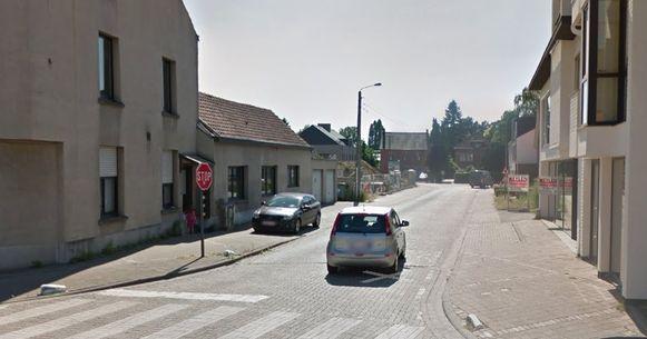 In de Mechelsestraat komen er fietssuggestiestroken tussen Oeveldorp en de Dennenstraat.