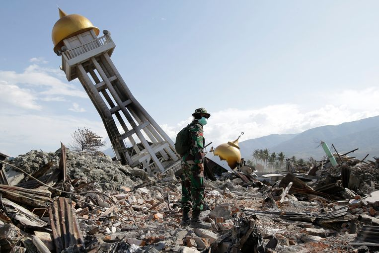 Schade na een zware aardbeving op 6 oktober 2018 op het Indonesische Sulawesi.