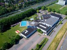 Ouderen willen minder steile zwembadtrap in De Lockhorst in Sliedrecht