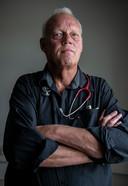 Kees van Gelder, specialist ouderengeneeskunde, begeleidt het euthanasietraject van Willy.