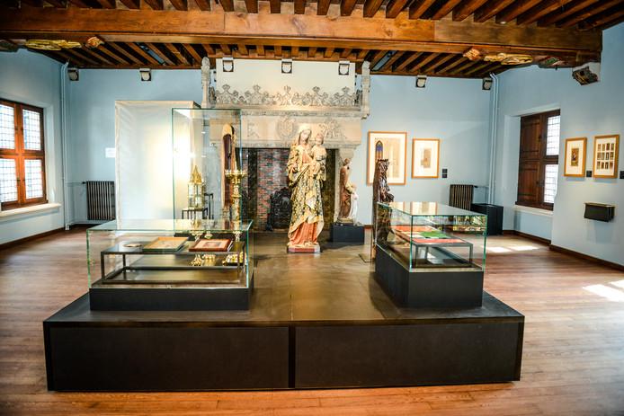 Brugge vernieuwd gruuthusemuseum opent de deuren