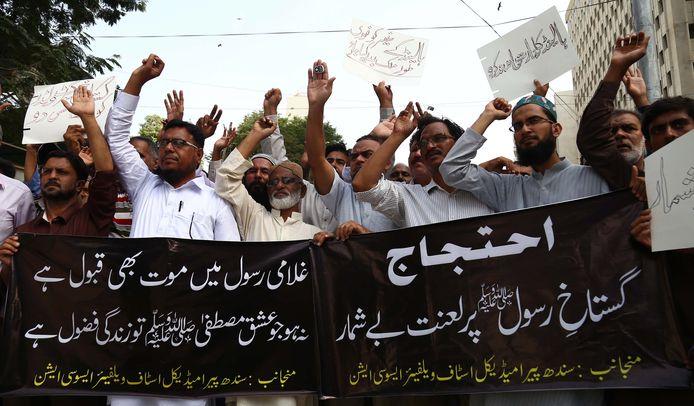 Protest tegen de cartoonwedstrijd van Wilders in de Pakistaanse stad Karachi.