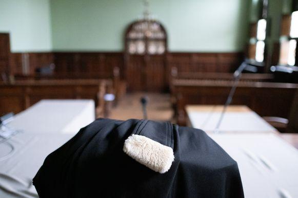 MECHELEN - Een toga van een advocaat in de rechtbank van Mechelen.