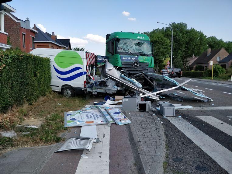 De naakte vrachtwagenchauffeur reed ook een busje van Eandis aan.