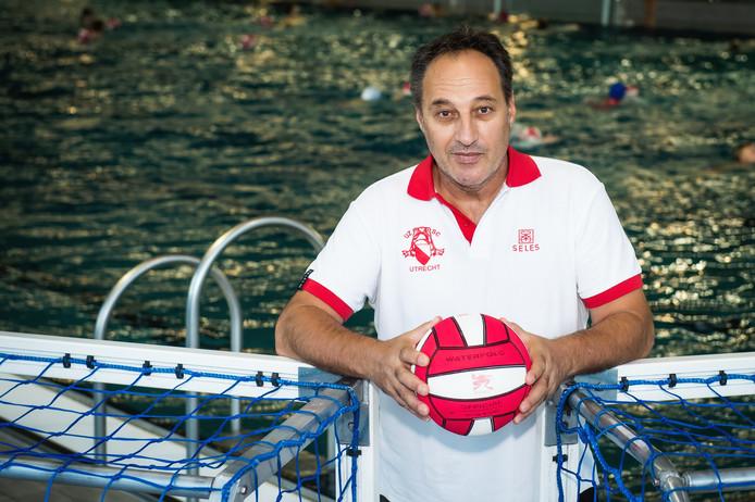 Coach Evangelos Pateros Esti vertrekt bij UZSC.