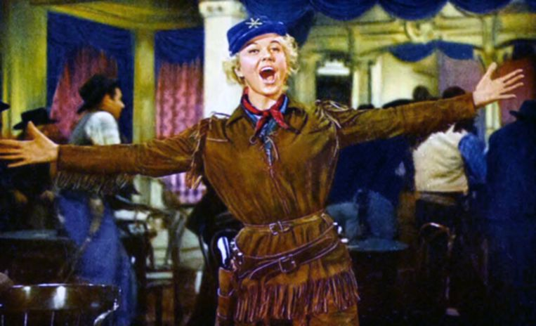 Ontwerpster Stella McCartney tweette gisteren: 'I love you, my Calamity Jane', naar de western waarin Day in 1953 speelde.