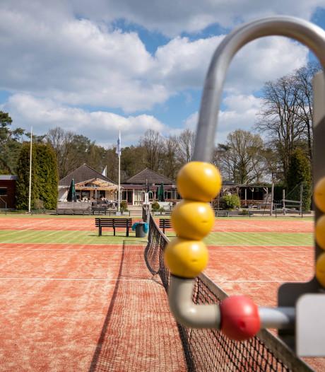 Rel tennispark Dieren escaleert: tennisvereniging staat op straat