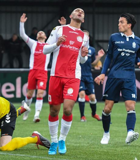 'Rooien' krijgen in tweede helft in elf minuten vier goals tegen