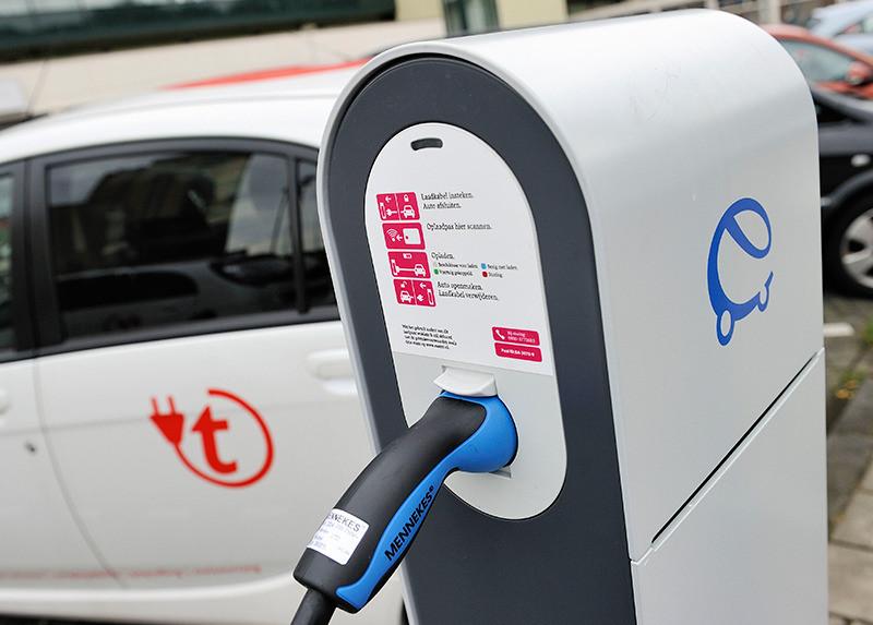 Elektrische Auto Bijladen Fors Duurder Foto Ad Nl