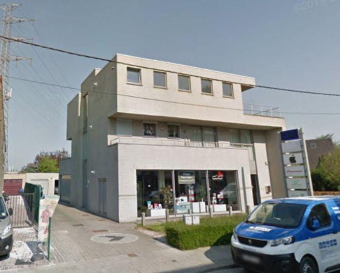 Naar dit gebouw in de Botestraat zal de bib van Wondelgem in de zomer verhuizen