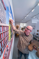 René Jacobs legt de laatste hand aan het schilderij.